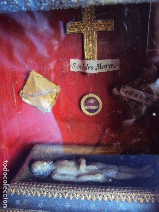 Antigüedades: (ANT-191108)ANTIGUA CAPILLA RELICARIO - CRISTO DE CERA Y RELIQUIAS - Foto 2 - 182371408