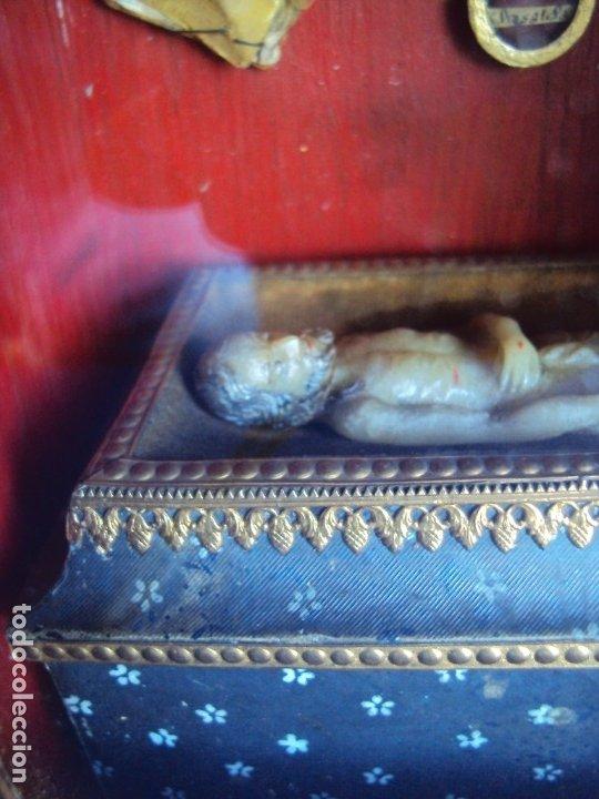 Antigüedades: (ANT-191108)ANTIGUA CAPILLA RELICARIO - CRISTO DE CERA Y RELIQUIAS - Foto 7 - 182371408