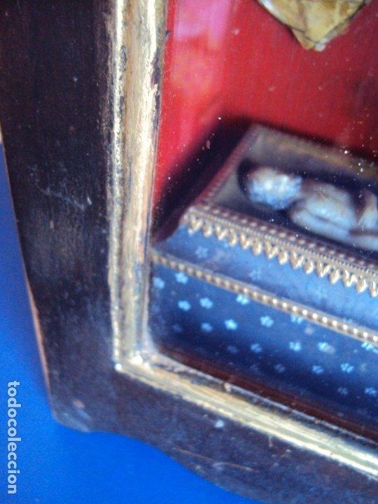Antigüedades: (ANT-191108)ANTIGUA CAPILLA RELICARIO - CRISTO DE CERA Y RELIQUIAS - Foto 12 - 182371408