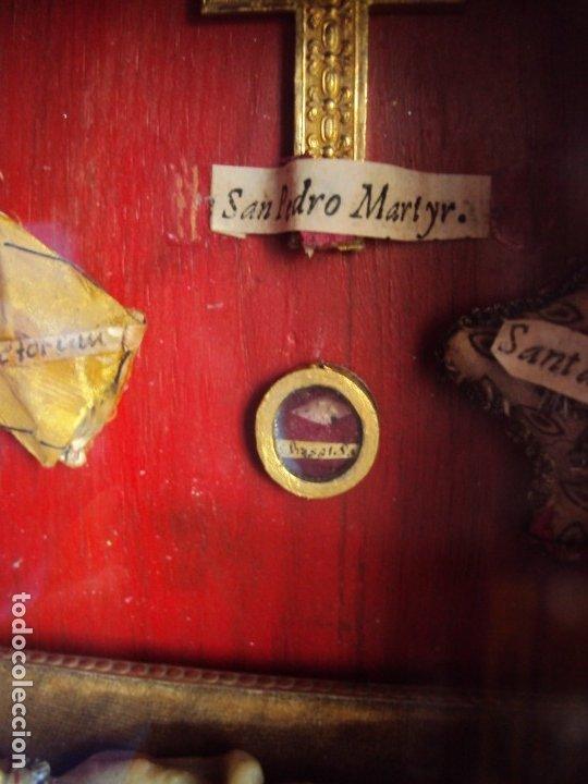 Antigüedades: (ANT-191108)ANTIGUA CAPILLA RELICARIO - CRISTO DE CERA Y RELIQUIAS - Foto 16 - 182371408