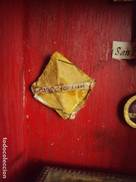 Antigüedades: (ANT-191108)ANTIGUA CAPILLA RELICARIO - CRISTO DE CERA Y RELIQUIAS - Foto 17 - 182371408