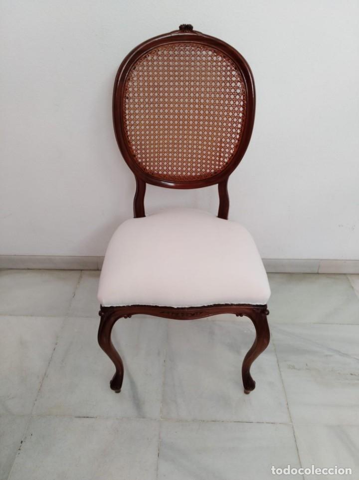 Antiguas sillas de comedor (4 piezas)