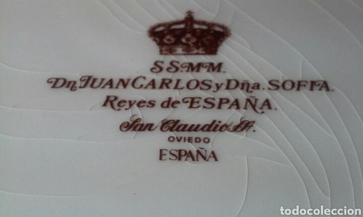 Antigüedades: PLATO GRANDE S.S.M.M. DON JUAN CARLOS Y DOÑA SOFÍA, REYES DE ESPAÑA (SAN CLAUDIO - OVIEDO) - Foto 8 - 182429907
