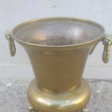 Antigüedades: JARRON ANTIGUO DE BRONCE PESADO.. Lote 182497976