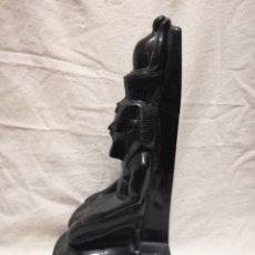Antigüedades: FIGURA FARAON - DIOS ANTIGUO EGIPTO PIRAMIDES. Lote 182510026