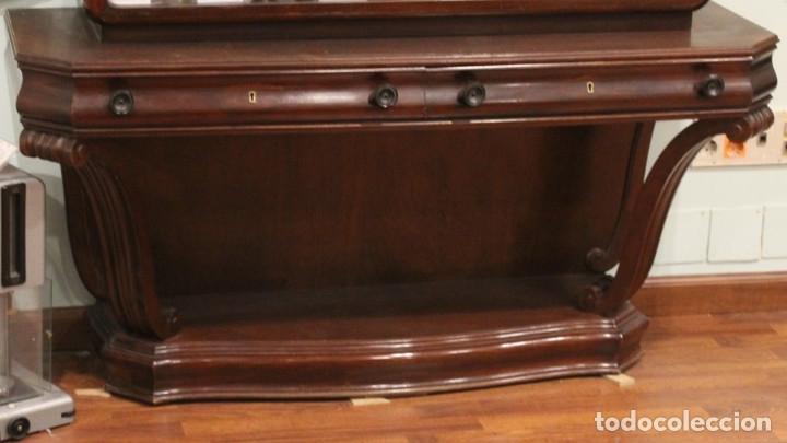 Antigüedades: Antigua cómoda con vitrina, madera de caoba - Foto 3 - 182512158