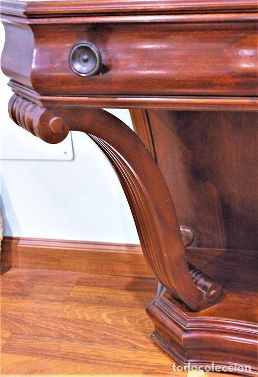 Antigüedades: Antigua cómoda con vitrina, madera de caoba - Foto 5 - 182512158