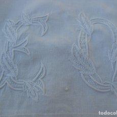 Antigüedades: FUNDA DE ALMOHADA. ALMOHADÓN. BORDADOS. ÚNICO. INICIALES BORDADAS. SIGLO XIX.. Lote 182542596