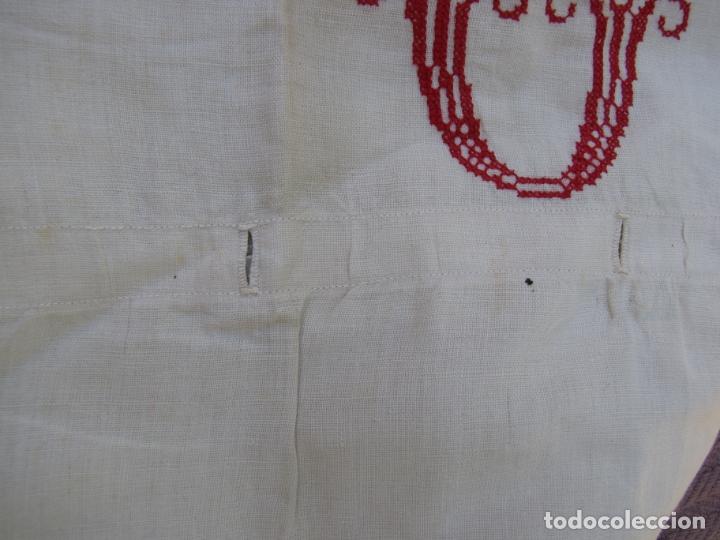 Antigüedades: Funda almohada hilo. Iniciales bordadas. S XIX - Foto 5 - 182542721