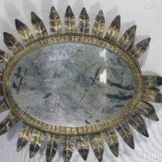 Antigüedades: ESPEJO SOL METAL. Lote 182558916