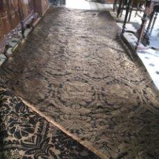 Antigüedades: BROCADO DAMASCO NEGRO DIFUNTOS ORO VIEJO 5,20M X 157CM IDEAL VIRGEN SAYA MANTO SEMANA SANTA. Lote 182576055