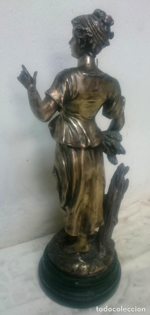 Antigüedades: Espectacular escultura costumbrista de bronce con baño o regrueso de plata de ley. XIX. 51 cm - Foto 2 - 182595117