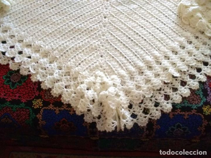 Antigüedades: Antiguo Mantón Toquilla de Lana Color Blanco. 180X180 cm - Foto 7 - 182602978