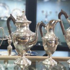 Antigüedades: UN JUEGO DE TÉ Y CAFÉ DE PLATA PORTUGUESA.. Lote 182612825
