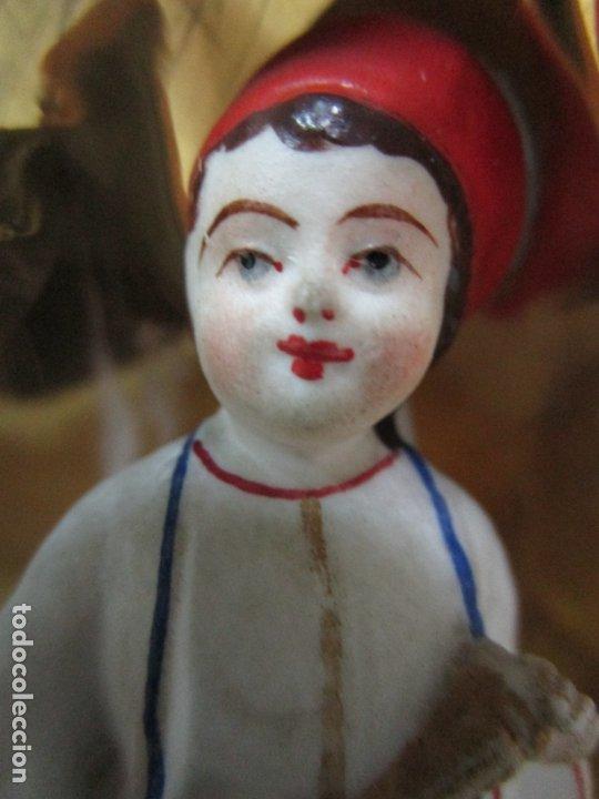 Antigüedades: Preciosa Pareja de Jarrones Isabelinos - Porcelana Esmaltada y Dorada - con Figuras - S. XIX - Foto 11 - 182618867