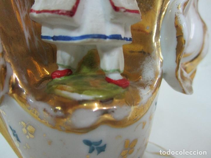 Antigüedades: Preciosa Pareja de Jarrones Isabelinos - Porcelana Esmaltada y Dorada - con Figuras - S. XIX - Foto 21 - 182618867