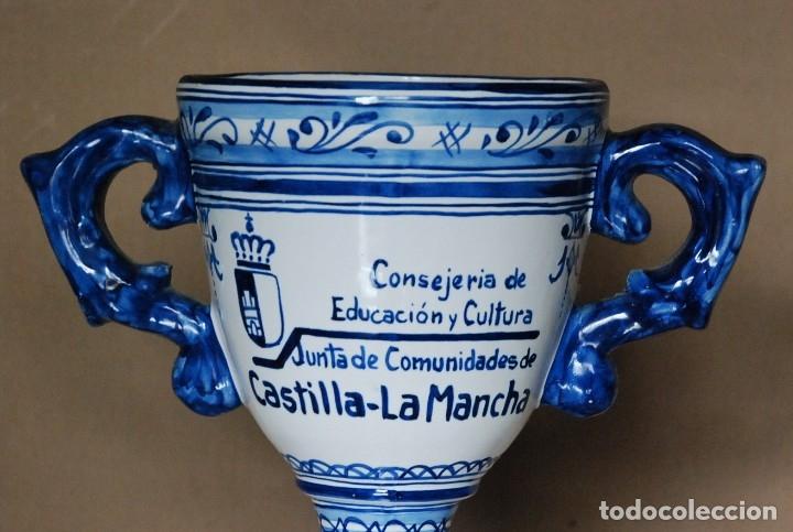 Antigüedades: JARRA CERAMICA TALAVERA - CONSERJERIA EDUCACION Y CULTURA - JUNTA COMUNIDADES DE CASTILLA LA MANCHA. - Foto 2 - 182641305