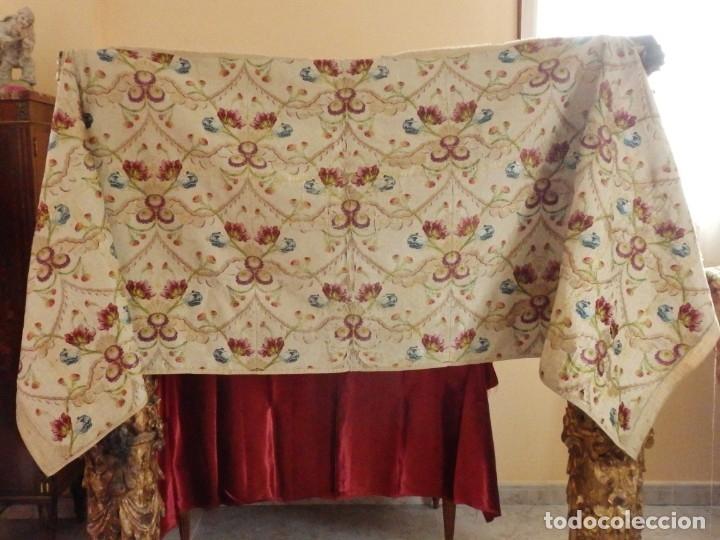 Antigüedades: Frente de grandes dimensiones en espolín de seda y brocados de plata. España, siglos XVII-XVIII. - Foto 5 - 182643183