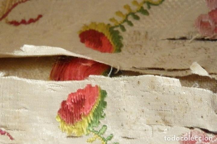 Antigüedades: Frente de grandes dimensiones en espolín de seda y brocados de plata. España, siglos XVII-XVIII. - Foto 18 - 182643183