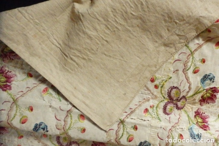 Antigüedades: Frente de grandes dimensiones en espolín de seda y brocados de plata. España, siglos XVII-XVIII. - Foto 23 - 182643183