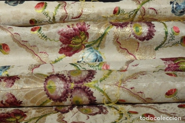 Antigüedades: Frente de grandes dimensiones en espolín de seda y brocados de plata. España, siglos XVII-XVIII. - Foto 9 - 182643183