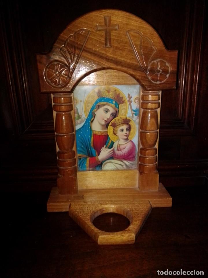 PRECIOSA CAPILLA DE MADERA CON ICONO (Antigüedades - Religiosas - Varios)