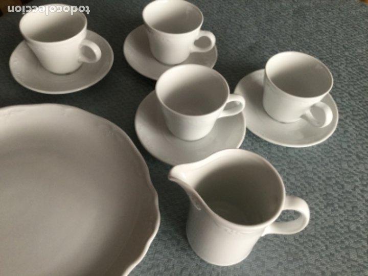Antigüedades: Juego de café, jarra y fuente porcelana Bidasoa con adorno florecitas - Foto 3 - 182673085