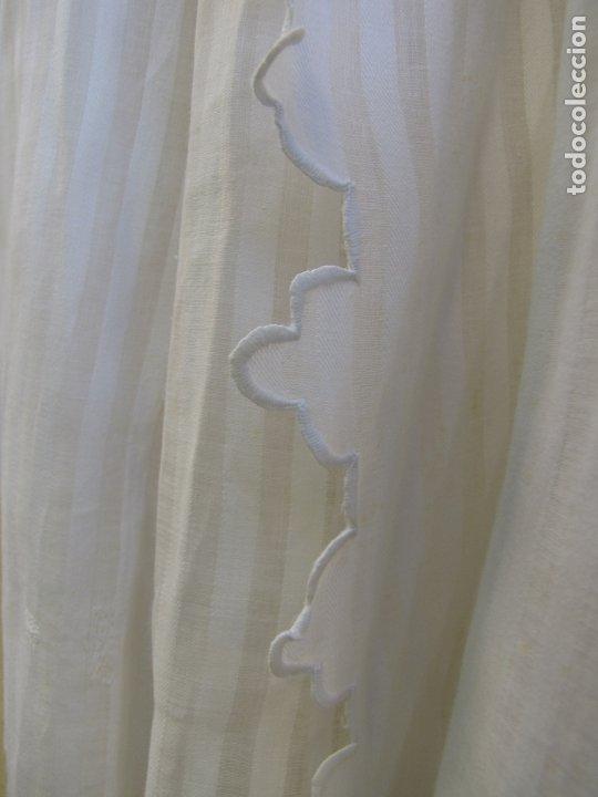Antigüedades: Conjunto de faldón y camisa bebé. Batista, algodón, bordados y puntilla - Foto 7 - 182680982