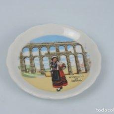 Antigüedades: PLATO DE CERAMICA SOUVENIR ACUEDUCTO DE SEGOVIA. Lote 182681331