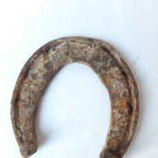 Antigüedades: HERRADURA MEDIEVAL. SIGLOS X - XII. FORJADA A MANO. PERDIDA. Lote 182695895