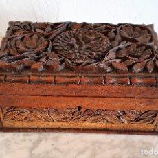 Antigüedades: CAJA JOYERO EN MADERA TALLADA. Lote 182715625