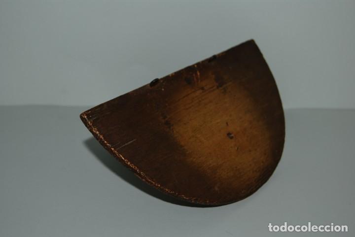 Antigüedades: SENCILLA MÉNSULA DE MADERA - REPISA - VIRGEN - SANTO - SIGLO XIX - Foto 3 - 182726292