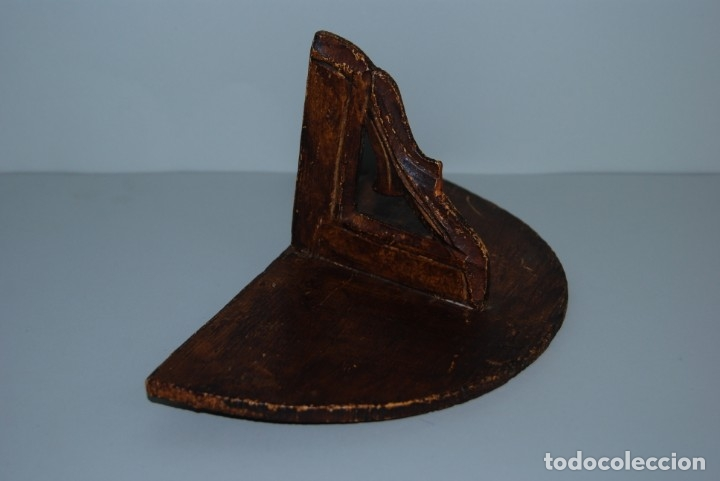 Antigüedades: SENCILLA MÉNSULA DE MADERA - REPISA - VIRGEN - SANTO - SIGLO XIX - Foto 5 - 182726292