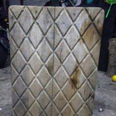 Antigüedades: ANTIGUA TABLA PARA LAVAR ROPA. Lote 182737503