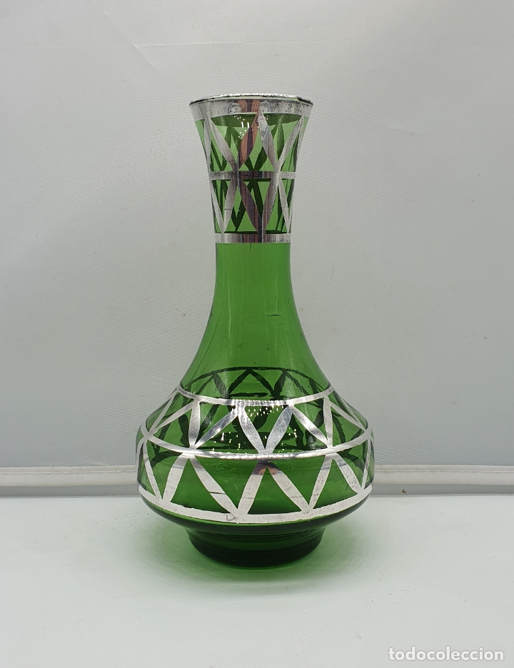 Antigüedades: Precioso florero antiguo en cristal verde botella, bellamente decorado a mano en plata de ley . - Foto 3 - 182749301