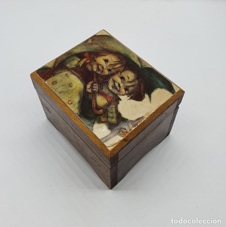 Antigüedades: Caja joyero muscial vintage en madera con motivo vintage . - Foto 3 - 182759533