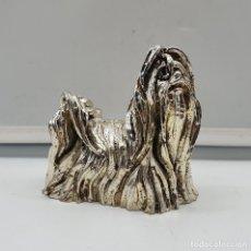 Antigüedades: BELLA FIGURA VINTAGE DE PERRO YORKSHIRE LAMINADO EN PLATA DE LEY .. Lote 182765166