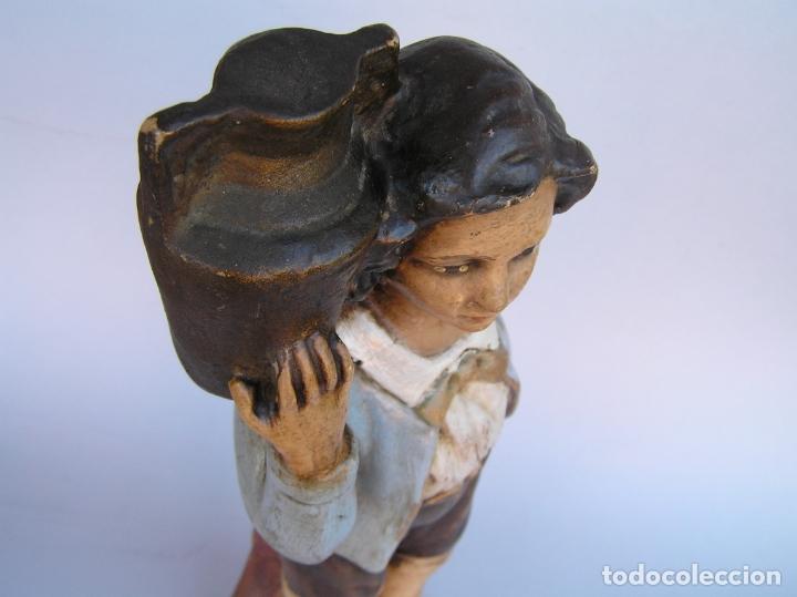 Antigüedades: Figura cuento La Lechera. Estuco policromado.Siglo XIX. ·34 cm. - Foto 23 - 182767270