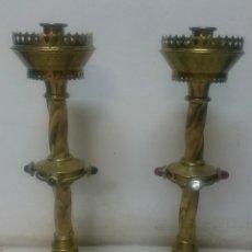 Antigüedades: ESPECTACULAR PAREJA DE CANDELABROS DE IGLESIA DE BRONCE DORADO. S.XIX. 46 CM ALTO. ÚNICOS. Lote 182767666
