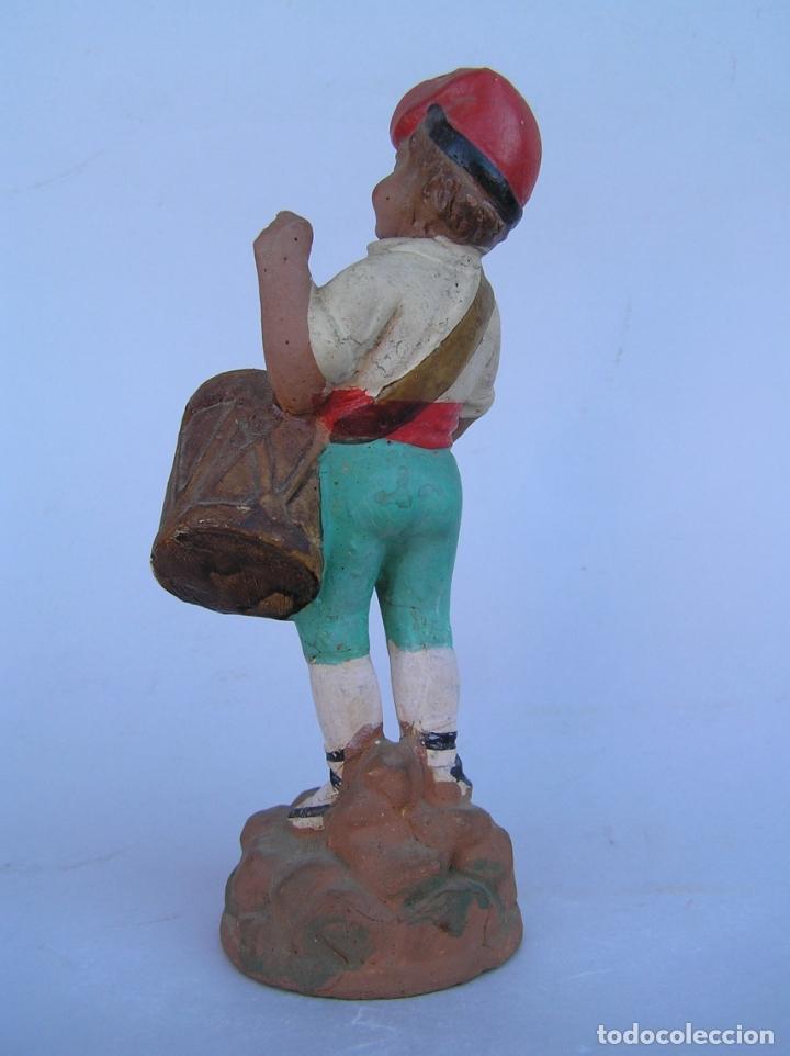Antigüedades: El tamboriler del Bruc.Figura de estuco policromado. - Foto 5 - 182768080