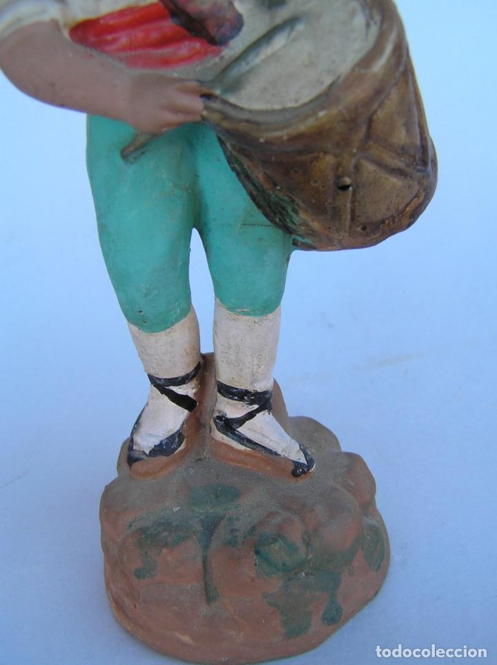 Antigüedades: El tamboriler del Bruc.Figura de estuco policromado. - Foto 10 - 182768080