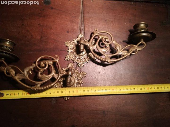 Antigüedades: Pareja de candelabros de bronce para piano - Foto 6 - 182804845