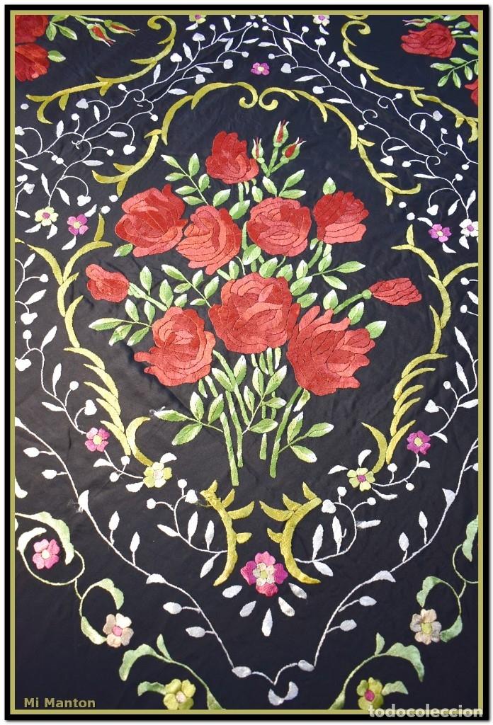 Antigüedades: Mi Manton. Manton de Manila bordado en a mano en seda 140x140 cm mas enrejados y fleco - Foto 7 - 182827506