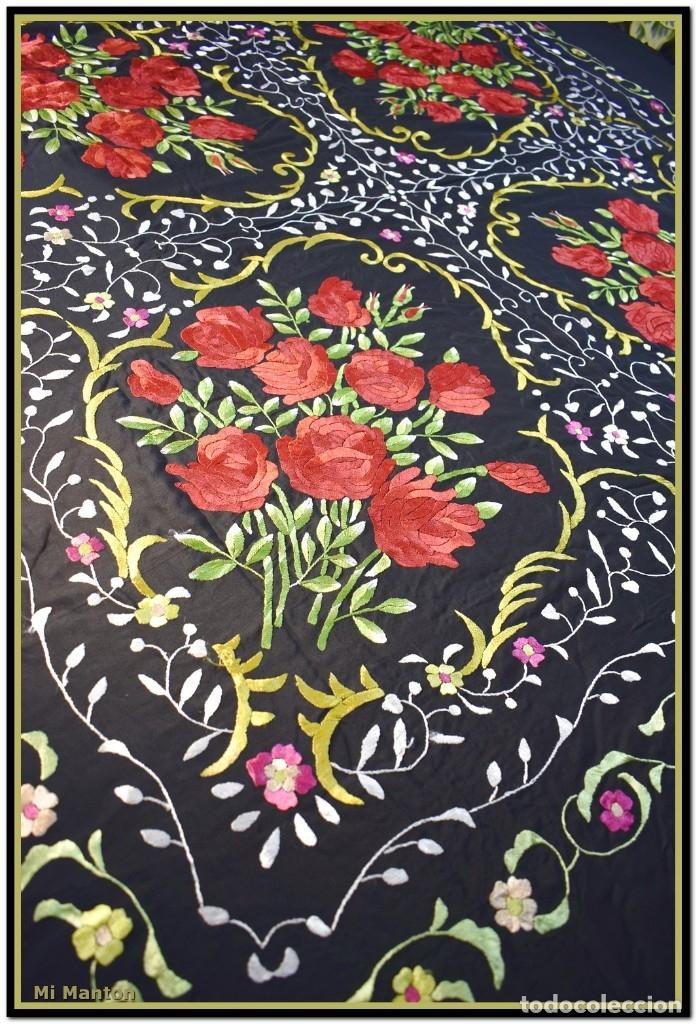 Antigüedades: Mi Manton. Manton de Manila bordado en a mano en seda 140x140 cm mas enrejados y fleco - Foto 9 - 182827506