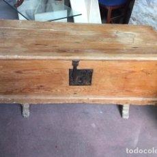 Antigüedades: BAUL ARCA DE PINO. Lote 182829648