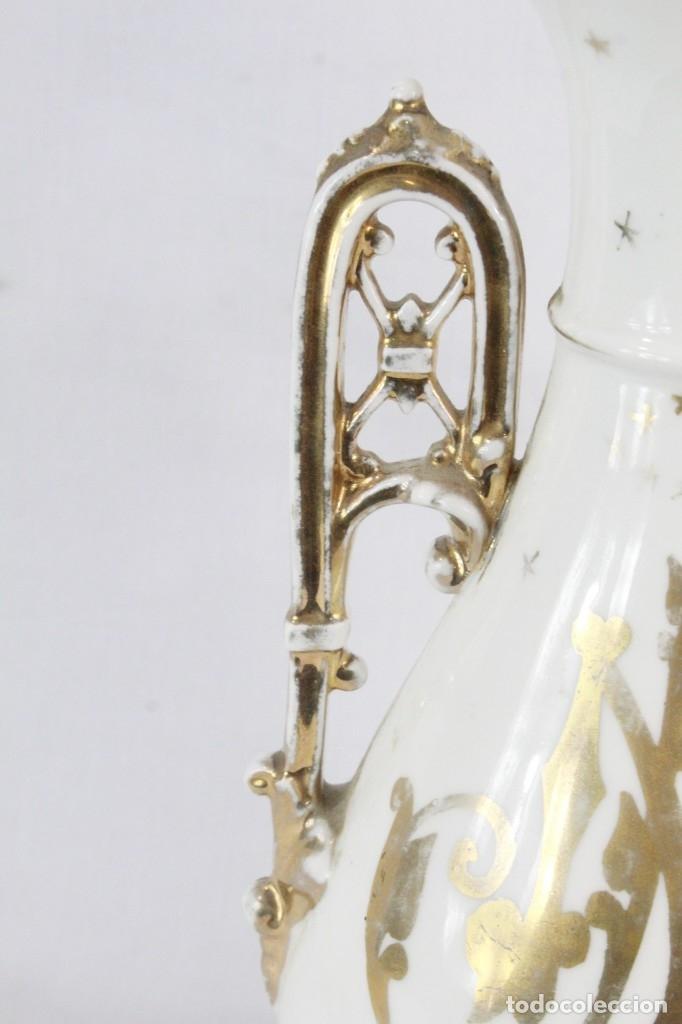 Antigüedades: Gran y precioso violetero de porcelana vitrificada, s XIX época isabelina. Al oro fino. - Foto 4 - 182840666