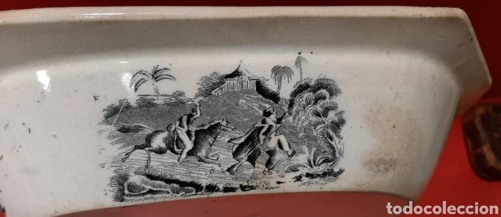 Antigüedades: ANTIGUA FUENTE OCHAVADA DE CARTAGENA, VALARINO. ESCENA DE CAZA. - Foto 4 - 182848497