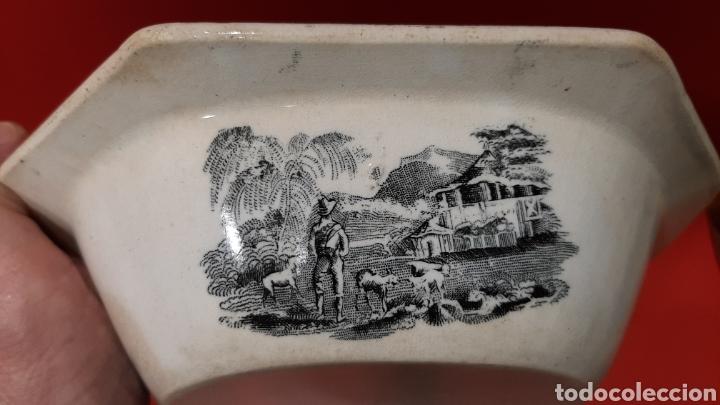 Antigüedades: ANTIGUA FUENTE OCHAVADA DE CARTAGENA, VALARINO. ESCENA DE CAZA. - Foto 5 - 182848497