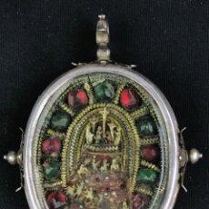 Antigüedades: IMPORTANTE RELICARIO COLONIAL EN PLATA A DOS CARAS CALVARIO EN HUESO Y PEDRERÍAS S.G.XVII. Lote 182896076