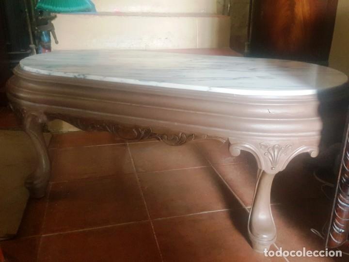 Antigüedades: Mesa baja de salón en madera pintada tallada. - Foto 3 - 182905157